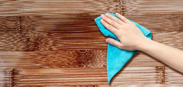 صورة كيف أنظف الخشب