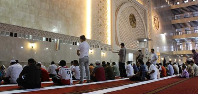 صورة حكم قيام الليل جماعة في غير رمضان