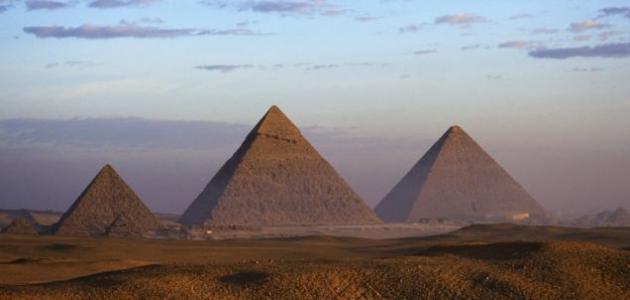 صورة كيف تم بناء الاهرامات المصرية