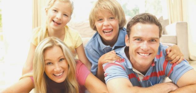 صورة مقومات السعادة الأسرية