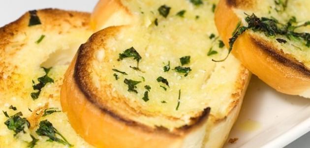 صورة جديد طريقة عمل الخبز بالثوم والجبنة