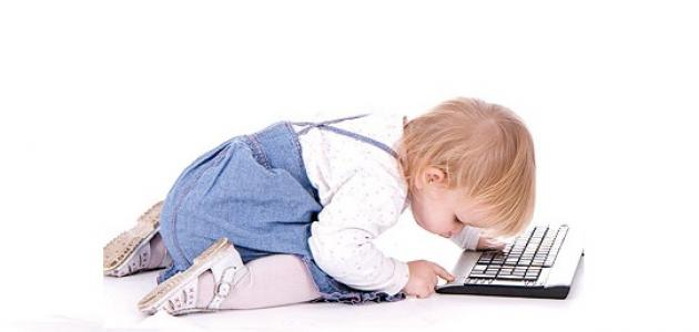 صورة جديد كيف يستعمل الطفل الإنترنت