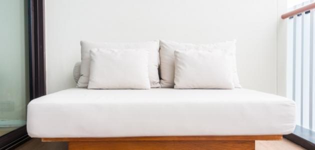 صورة جديد كيفية تنظيف مرتبة السرير من البقع