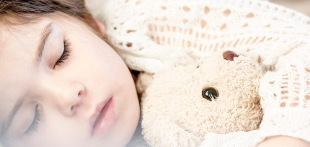 صورة جديد كيفية تعويد الطفل على النوم مبكراً