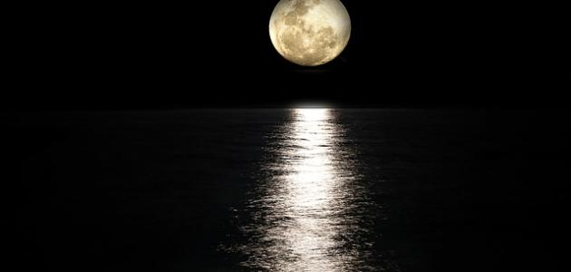 صورة جديد حكم عن القمر