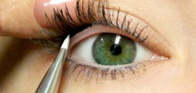 صورة جديد طريقة وضع الكحل في العين