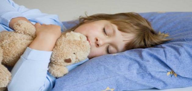 صورة جديد كيف ينام الطفل وحده