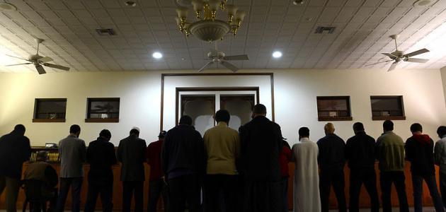 صورة جديد كيفية الصلاة وراء الإمام