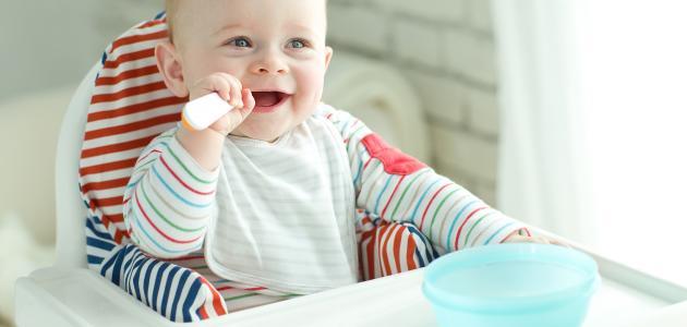 صورة جديد ماذا يأكل طفل الخمس شهور