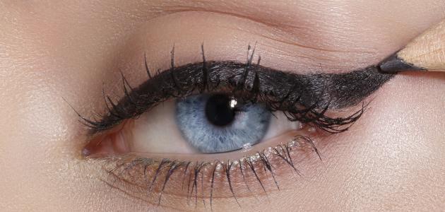 صورة جديد كيفية رسم العين بالكحل