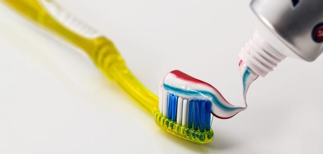 صورة جديد أضرار معجون الأسنان للوجه