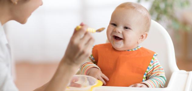 صورة جديد تغذية الطفل في الشهر الخامس