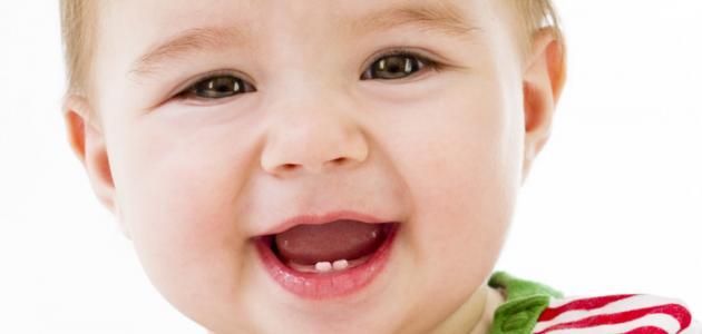 صورة جديد متى يظهر أول سن للطفل