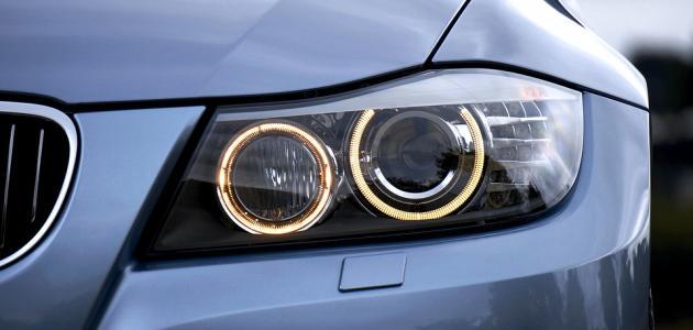 صورة جديد كيفية تنظيف زجاج أضواء السيارة