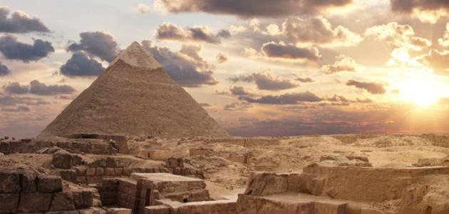 صورة جديد أهم المعالم التاريخية في العالم