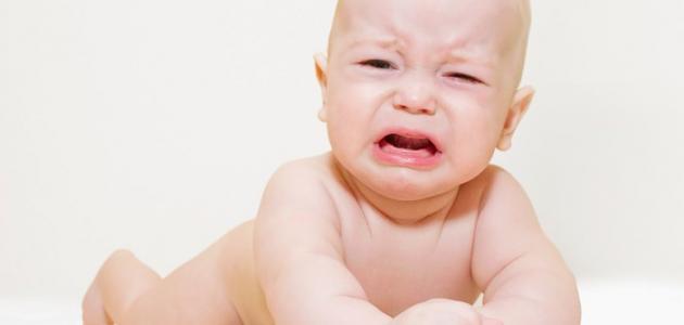 صورة أسباب بكاء الطفل الرضيع المستمر