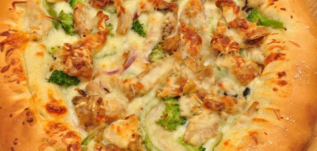 صورة عمل بيتزا الدجاج