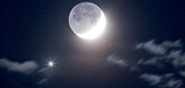 صورة كلام جميل عن القمر