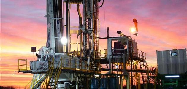 صورة حفر آبار النفط
