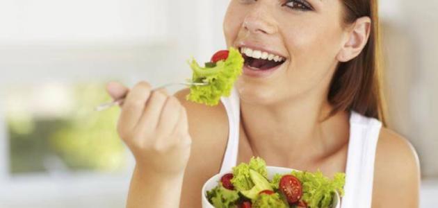 صورة أغذية تساعد على نمو الشعر