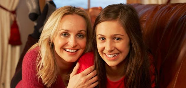 صورة أسباب ضعف رابطة المحبة والألفة بين ابنة وأمها