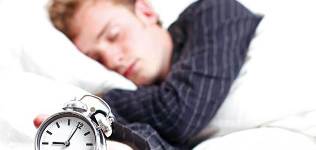 صورة كم عدد ساعات النوم الطبيعية للإنسان البالغ