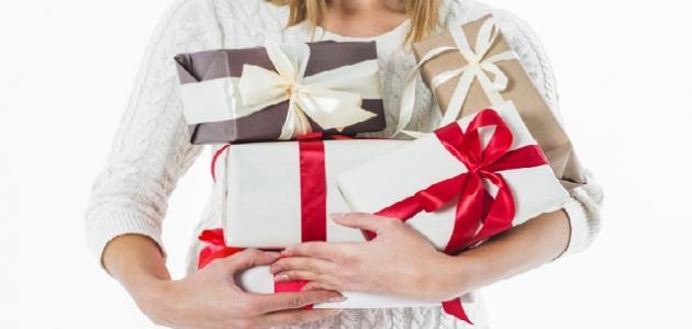 صورة هدايا عيد الزواج للزوجة