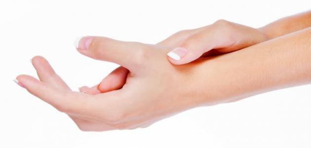 صورة علاج جفاف جلد اليدين