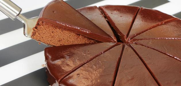 صورة طريقة عمل كيكة فانيلا وشوكولاتة