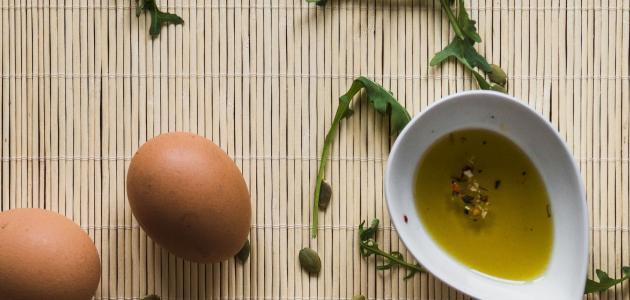 صورة ما فائدة البيض وزيت الزيتون للشعر