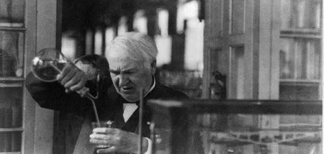 صورة ماذا اخترع إديسون
