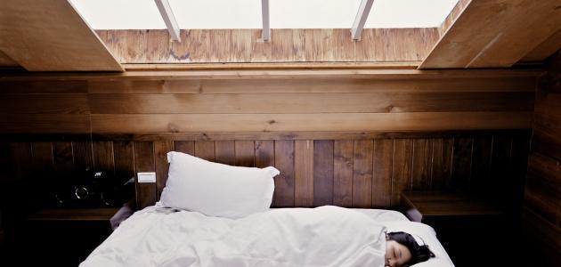 صورة كم يحرق الجسم أثناء النوم