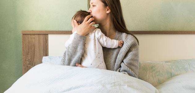 صورة كيفية التعامل مع مغص حديثي الولادة