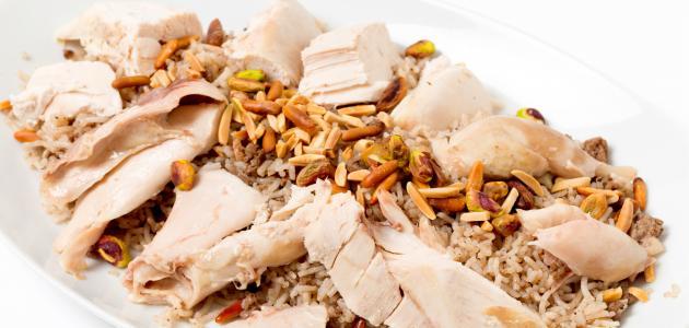 صورة فتة الدجاج مع الأرز