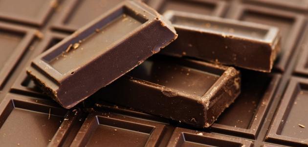 صورة عمل قوالب شوكولاتة