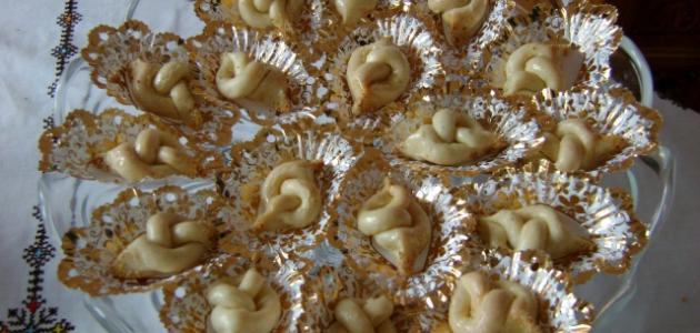 صورة طريقة عمل حلويات مغربية باللوز