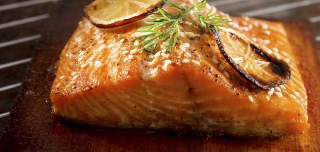 صورة طريقة عمل سمك السلمون المشوي بالفرن
