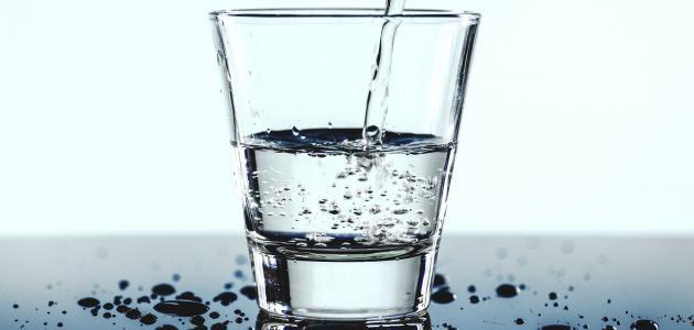 صورة أضرار عدم شرب الماء على الكلى