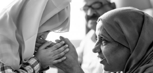صورة تقبيل يد الميت في المنام