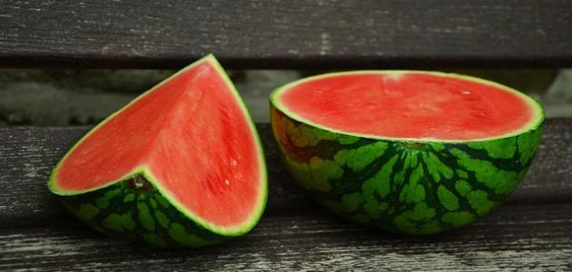 صورة فوائد البطيخ الأحمر للوجه