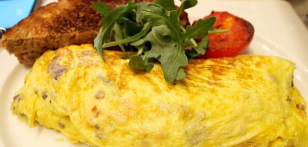 صورة طريقة عمل البيض المقلي بالجبن