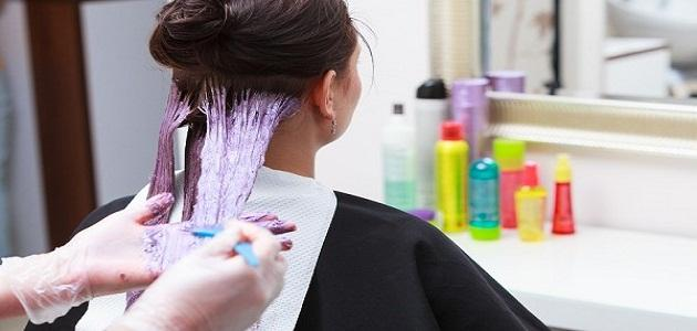 صورة كيف أزيل صبغة الشعر من الملابس