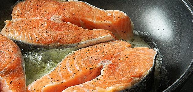 صورة طريقة عمل سمك السلمون المقلي