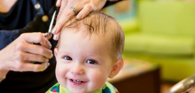 صورة فوائد قص الشعر للأطفال الرضع