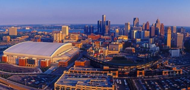 صورة مدينة أمريكية تلقب مدينة السيارات