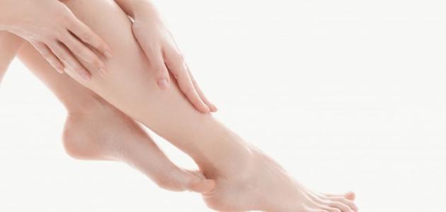 صورة كيف أزيل مسامات الساق