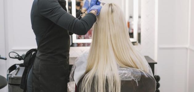 صورة طريقة صبغ الشعر بلاتيني