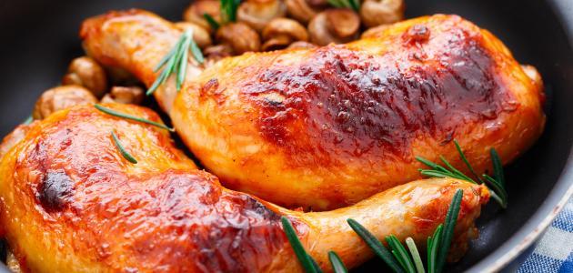 صورة أفضل طريقة لتتبيل الدجاج بالفرن