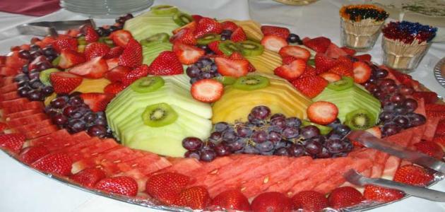 صورة طرق تقديم الفواكه للضيوف