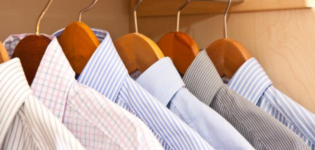صورة ترتيب خزانة الملابس
